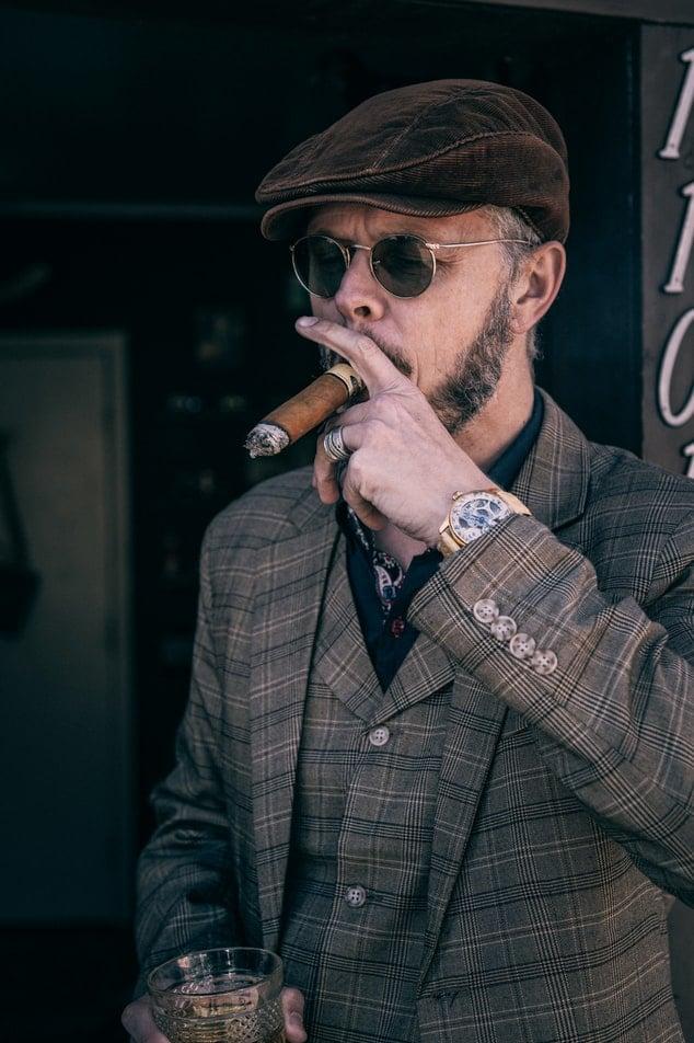 john thames cigar reader owner